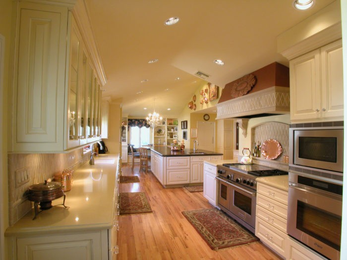 Parkland Custom Kitchen, Bath, & Cabinet Remodeling Services-We do kitchen & bath remodeling, home renovations, custom lighting, custom cabinet installation, cabinet refacing and refinishing, outdoor kitchens, commercial kitchen, countertops, and more